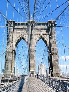 brooklyn bridge in the day